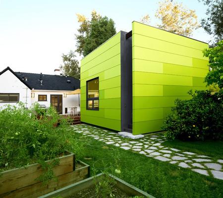 سبزهای روشنی مثل سبز فسفری و لیمویی برای خانه های مدرن انتخاب خوبی به حساب می آیند