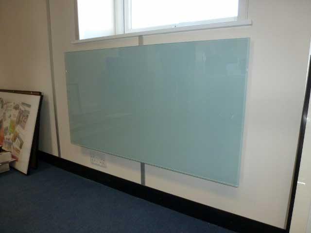 رادیاتور شیشه ای
